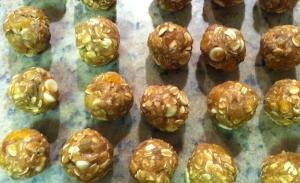 Blonde Bombshell Oatmeal Cookies