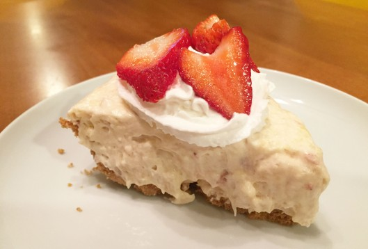 No Bake Strawberry Pineapple Pie